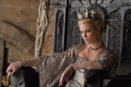 """Charlize Theron en """"Blancanieves y la leyenda del cazador"""""""