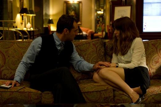 """Jude Law y Roony Mara en """"Efectos secuendarios"""""""