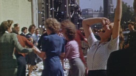 """Londres recupera el color en """"El espíritu del 45"""""""